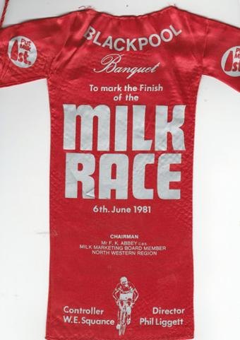 1981-Tour-of-Britain-cycle-milk-race-cycling-memorabilia-blackpool-dinner-banquet-red-jersey-menu-phil-liggett-6th-june-pennant