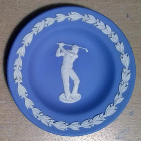 Golf-memorabilia-Golf-collectables-golfing-memorabilia-Blue-Jasper-Wedgwood-pin-dish-jasperware-golfer-wedgewood-china-porcelain-1980