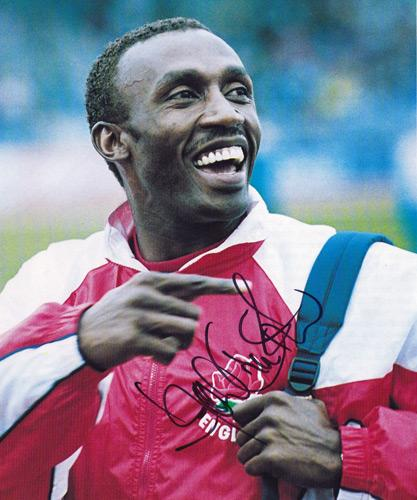 Linford-Christie-autograph-linford-christie-memorabilia-signed-GB-athletics-100-metres-sprinter-olympic-champion-1992-relay-lunchbox-world's-fastest-man