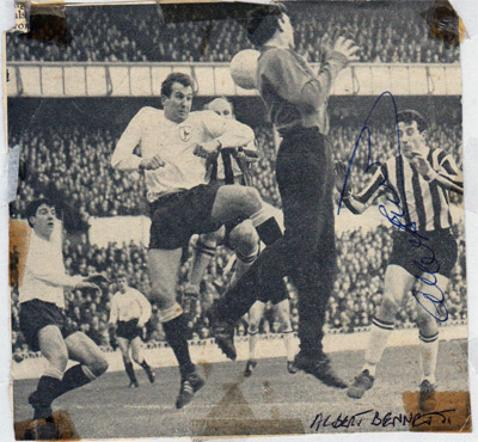 Alan-Bennett-autograph-signed-newcastle-United-Utd-football-memorabilia-signature-nufc