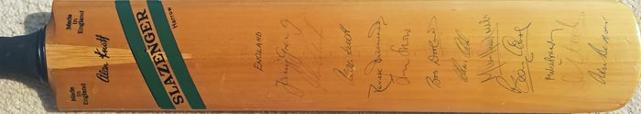 Alan-Knott-signed-kent-cricket-memorabilia-1976-benefit-england-kccc-tony-greig-autograph-derek-underwood-mike-brearley-close