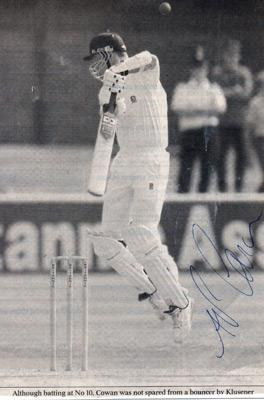 Ashley-Cowan-autograph-signed-Essex-England-cricket-memorabilia-batting-fast-bowler-number-eleven
