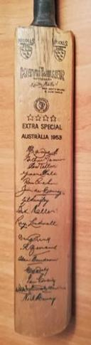 Australia-cricket-memorabilia-signed-1953-test-match-ashes-mini-bat-keith-miller-autograph-lindwall-benaud-harvey-hassett-gray-nicolls