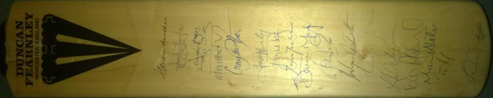 Australia cricket memorabilia signed 1993 Ashes touring team Duncan Fearnley bat Aussies