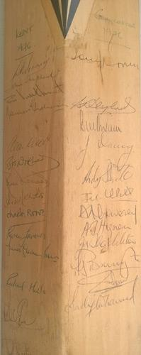 Australia-cricket-memorabilia-signed-bat-1977-ashes-tour-england-team-squad-autographs-Rod-Marsh-Doug-Walters-Len-Pascoe-Hughes-Bright-Hookes-Jeff-Thomson