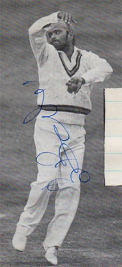 Bishan-Bedi-autograph-signed-India-cricket-memorabilia-indian-left-arm-spinner-northamptonshire-northants-ccc-cricketer-singh-delhi-punjab-bishu-signature