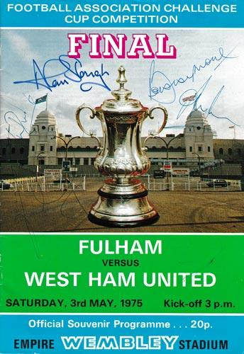 Bobby Moore autograph signed fulham football memorabilia 1980 fa cup final programme west ham 1966 world cup captain wembley signature
