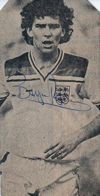 Bryan-Robson-autograph-signed-england-football-memorabilia-man-utd-wba-middlesbrough-captain-marvel-signature