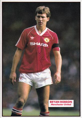 Bryan-Robson-signed-man-utd-fc-football-memorabilia-topical-times-annual-autograph-robbo-Manchester-United-Brian