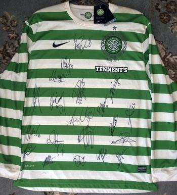 Celtic FC signed Nike Dri-Fit football playing shirt 2013 first team squad Scottish Champions memorabilia