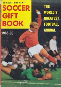 Charles-Buchan-Soccer-Gift-Book-1965-66-denis-law-sunderland-fc-captain-woolwich-arsenal-memorabilia-Leyton-Orient-England-Military-Medal