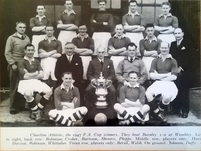 Charlton-Athletic-football-memorabilia-1947-FA-Cup-winners-CAFC-team-photo-Sam-Bartram-Don-Welsh-Chris-Duffy-Croker-Shreeve-Burnley-Wembley-Jimmy-Seed