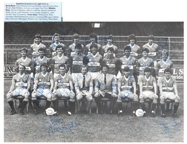 Charlton-Athletic-football-memorabilia-CAFC-signed-team-photo-autograph-1980s-The-Valley-Alan-Curbishley-Lennie-Lawrence-Steve-Gritt-Nicky-Johns-Les-Berry-Lee-Aizlewood