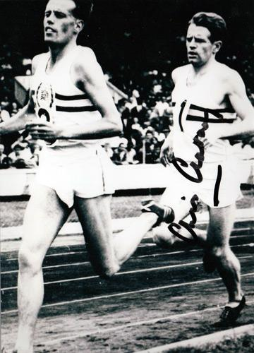 Chris-Chataway-autograph-signed-athletics-memorabilia-four-minute-mile-ibbotson-sir-mp-5000-metres-world-record-roger-bannister-brasher