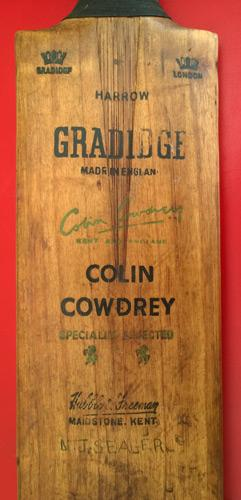 Colin-Cowdrey-autograph-signed-Kent-cricket-memorabilia-Gradidge-cricket-bat-harrow-KCCC-England-captain