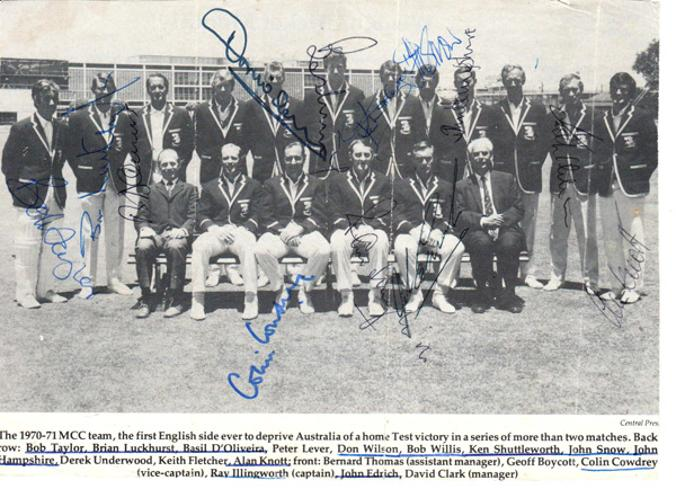 Colin-Cowdrey-autograph-signed-england-ashes-cricket-memorabilia-1970-71-tour-australia-ray-illingworth-alan-knott-signature-brian-luckhurst-john-edrich-snow-doliveira-willis