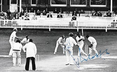Derek-Underwood-autograph-signed-kent-cricket-memorabilia-england-ashes-test-match-spinner-deadly-kccc-bowling-lords-intikhab-alam