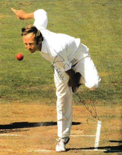 Derek-Underwood-autograph-signed-kent-cricket-memorabilia-england-ashes-test-match-spinner-deadly-kccc