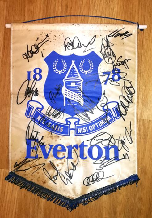 Everton-football-memorabilia-team-signed-EFC-pennant-toffees-club-paul-gascoigne-duncan-ferguson-2001