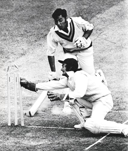 Farokh-Engineer-autograph-signed-india-cricket-memorabilia-wicket-keeper-lancashire-lancs-ccc-signature