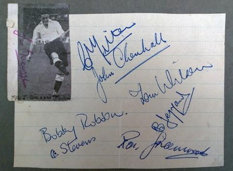 Fulham-FC-football-memorabilia-signed-player-autographs-Bobby-Robson-autograph-ron-greenwood-joe-bacuzzi-arthur-stevens-charlie-mitten-bedford-jezzard-1950s