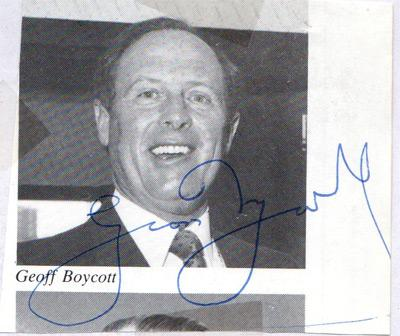 Geoff-Boycott-autograph-signed-Yorkshire-cricket-memorabilia-yorks-ccc-geoiffrey-england-test-match-opening-batsman-tms-signature
