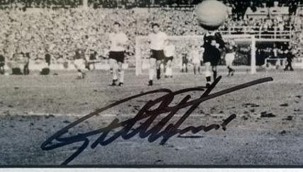 Geoff-Hurst-autograph-Sir-Geoff-Hurst-memorabilia-signed-England-1966-World-Cup-Football-memorabilia-4-2-West-Germany-hat-trick-third-goal-scorer-signature