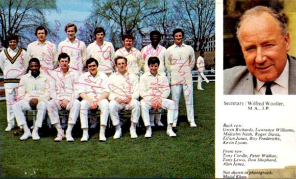 Glamorgan-cricket-memorabilia-signed-team-photo-Malcolm-Nash-autograph-Roy-Fredericks-autograph-Tony-Lewis-Peter-Walker-Tony-Cordle-Don-Shepherd-1970