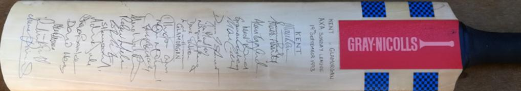 Glamorgan-cricket-memorabilia-squad-signed-bat-1993-kent-kccc-axa-sunday-league-match-viv-richards-carl-hooper-gray-nicolls-autograph