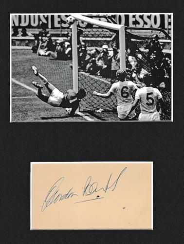 Gordon-Banks-autograph-signed-england-football-memorabilia-1970-world-cup-pele-save-brazil-goalkeeper-goalie-signature-stoke-city