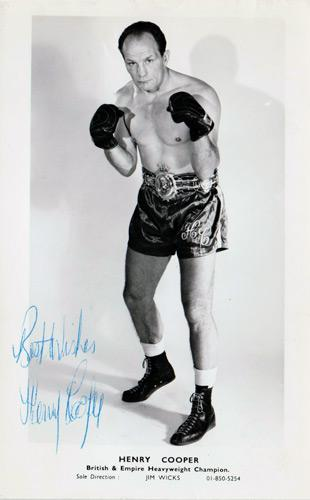 HENRY-COOPER-memorabilia-Sir-Henry-Cooper-autograph-signed-boxing-memorabilia-photo-postcard-British-Empire-Heavyweight-champion-Jim-Wicks-Our-Enery-Lonsdale-Belt