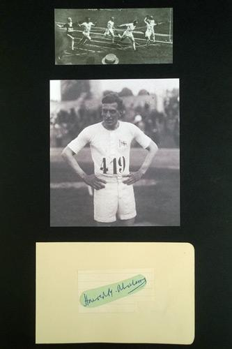 HAROLD-ABRAHAMS-autograph-signed-card-Chariots-of-Fire-athletics-memorabilia-autographed-Olympics-100-metres-gold-medallist-signature