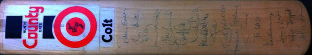 Hunt County Colts Turbo signed cricket bat front