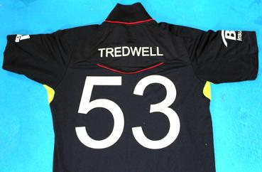 James-Tredwell-autograph-signed-2010-World-T20-England-cricket-memorabilia-playing-shirt-worn-treddy-testimonial-2017 (2)