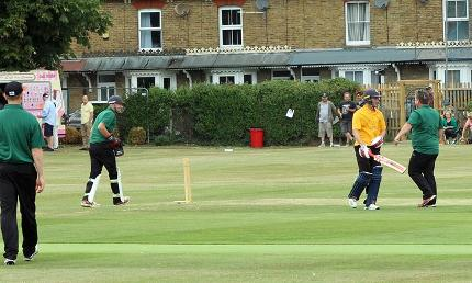 Joe-Denly-Testimonial-t20-cricket-day-whitstable-bowled-matt-walker-oliie-robinson