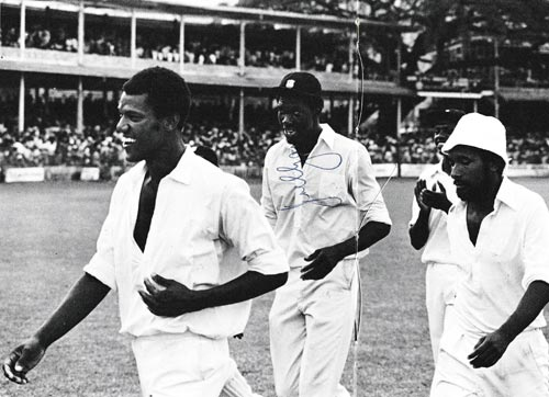 Joel-Garner-autograph-signed-west-indies-cricket-memorabilia-somerset-ccc-big-bird--signature-barbados