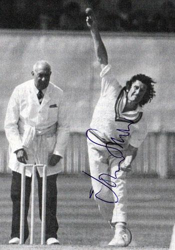 John-Snow-autograph-signed-Sussex-cricket-memorabilia-Warks-CCC-England-bowling-pic-autographed-fast-bowler