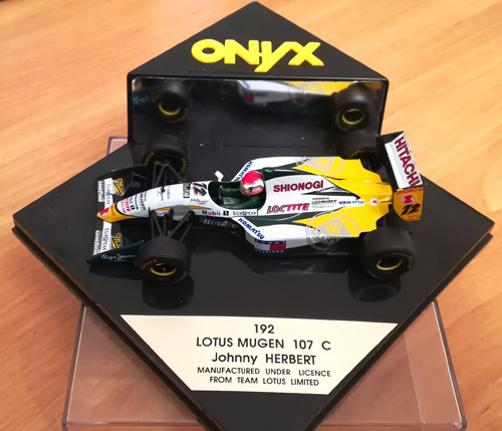 Johnny-Herbert-memorabilia-lotus-mugen-107-c-192-1994-F1-Formula-One-car-model-die-cast-metal-box-shionogi-loctite-sponsors-motor-racing