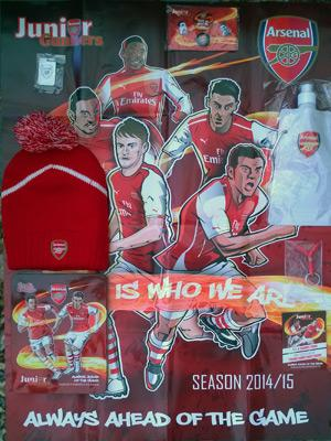 Juniors-Gunners-pack-Arsenal-FC-football-memorabilia-hat-poster-water-bottle-pin-badge-tin