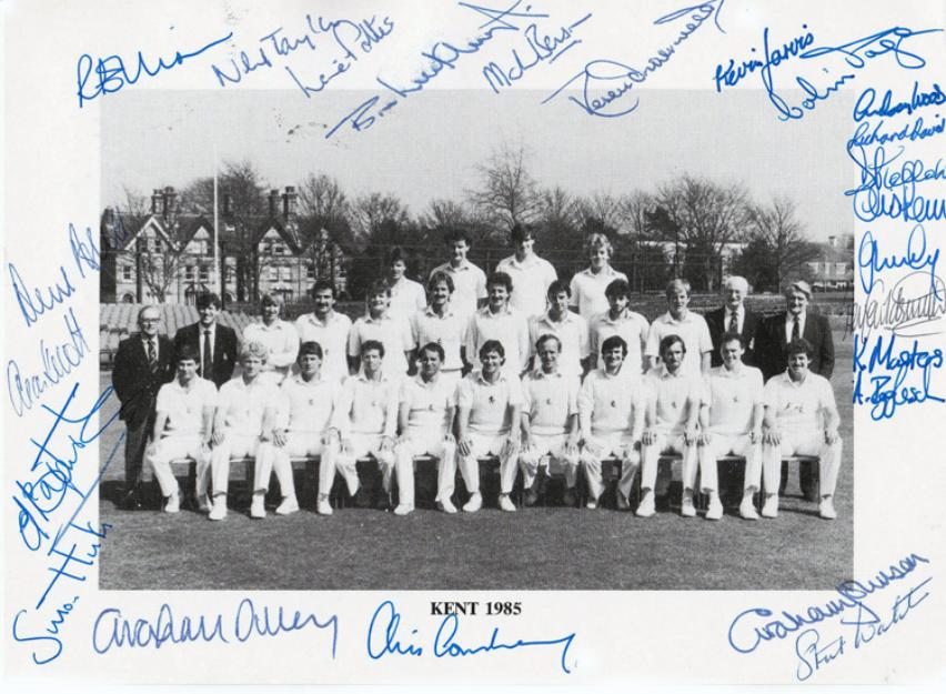 Kent-CCC-1985-signed-cricket-memorabilia-team-photo-Luckhurst-Dilley-Knott-Tavare-Cowdrey-Underwood-Ealham-autograph spitfires benson igglesden ellison team photo pic squad