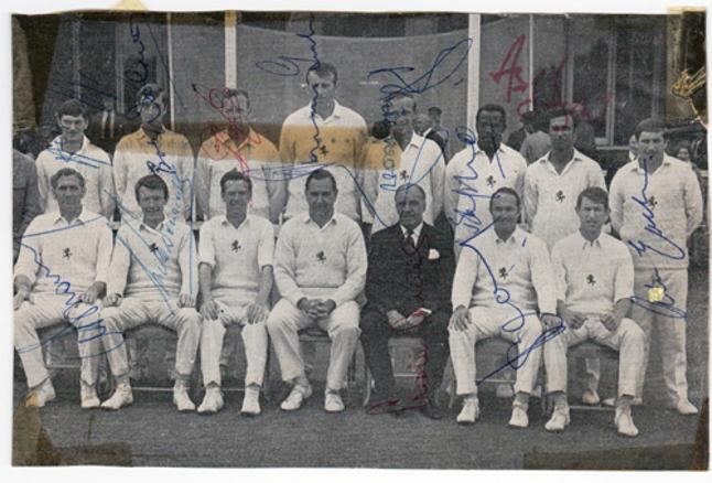 Kent-CCC-signed-cricket-memorabilia-team-photo-1969-Luckhurst-Asif-Iqbal-Woolmer-Shepherd-Knott-Underwood-Ealham-Graham-Johnson-Nicholls-autograph