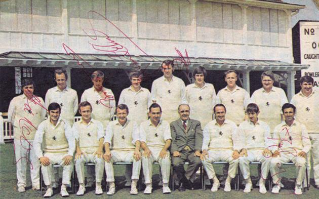 Kent-CCC-signed-cricket-memorabilia-team-photo-Woolmer-Asif-Iqbal-Shepherd-Cowdrey-Knott-Underwood-Ealham-Denness-Elms-Graham-Johnson-autograph