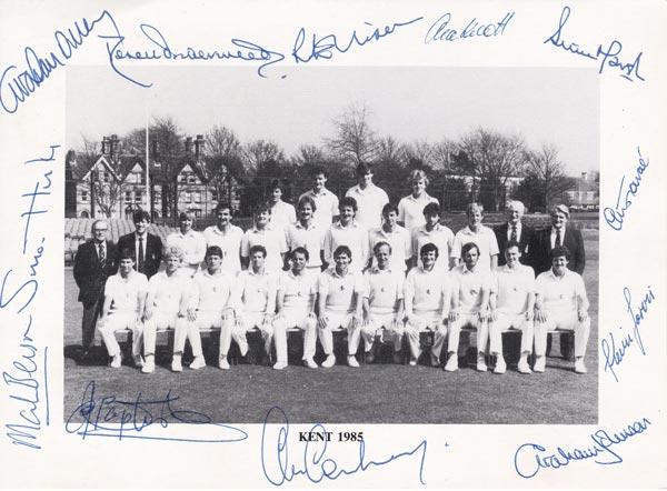 Kent-cricket-memorabilia-1985-team-signed-postcard-cowdrey-autograph-underwood-knott-dilley-marsh-tavare-baptiste-signature