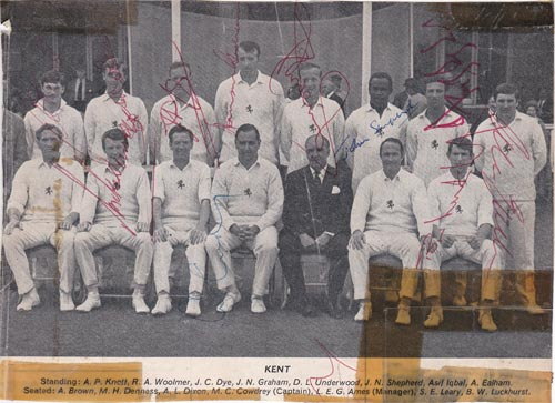 Kent-cricket-memorabilia-colin-cowdrey-signed-1969-team-photo-luckhurst-knott-Woolmer-norman-Graham-johnson-brown-ealham-asif-iqbal-autograph-kccc