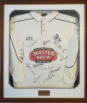 Kent-cricket-memorabilia-squad-signed-playing-shirt-2007-tunbridge-wells-week-framed-kccc-spitfires-key-jones-denly-stevens-master-brew