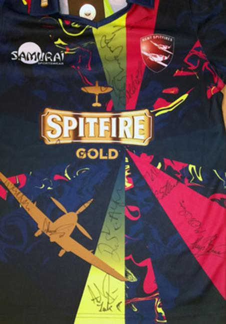 Kent-cricket-spitfires-memorabilia-signed-playing-player-shirt-2016-one-day-T20-Vitality-Blast-50-overs-competition-kccc-autographs-shepherd-neame-spitfire-gold