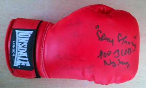 Kray-twins-signed-boxing-glove-Reggie-Kray-autograph-Ronnie-Kray-autograph-Charlie-Kray-signature-Lonsdale-Kray-Twins-memorabilia