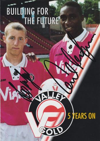 Lee-Bowyer-autograph-signed-charlton-athletic-football-memorabilia-cafc-addicks-valley-gold-carl-leaburn-signature-manager