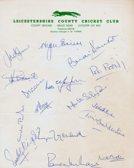 Leicestershire-cricket-memorabilia-1979-squad-signed-team-sheet-leics-ccc-david-gower-autograph-roger-tolchard-ken-higgs-paddy-clift-cook-balderstone-davison-signature