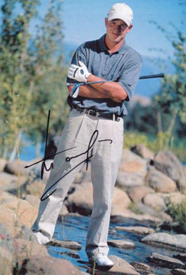 Luke-Donald-autograph-signed-ryder-cup-golf-memorabilia-english-golfer-golfing-signature-northwestern-university-college-england-europe-world-number-one